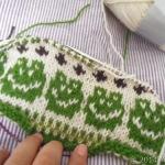 カエルのジャケット:ゲージを編み始めました!