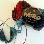 [新商品] 北極のオーロラ風バスケット編み帽、編みはじめました!