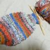 今日の編み物は、スパイラル・ソックスとリストバンドです