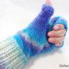 ダイソーの毛糸『グラデーションウール』で編む「いいねミトン」片方完成♪