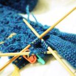 暮しの手帖(91号)の葉っぱ模様の手袋(5):薬指が編めました・・・