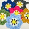 追加制作しましたー!『かぎ針編みのアクリルたわし』より、お花のたわし編みました♪