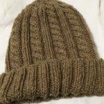 【完成】ダルマ手編み糸「フォークランドウール」で編むニット帽(3)&『風工房の定番ニット』ベストのスワッチ編みスタート