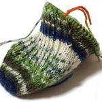 靴下編み・トゥアップくつ下(2):足回り通過&マチに入りました