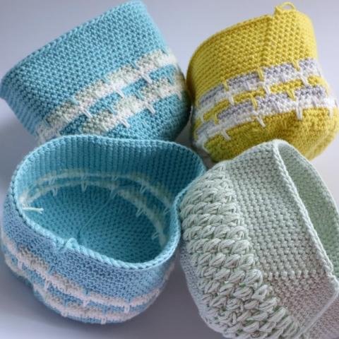編みがま口の外側