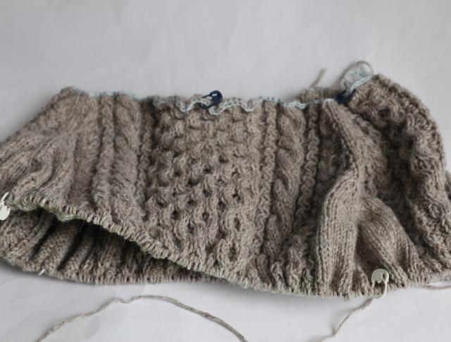 手編みセーターヨーク部分